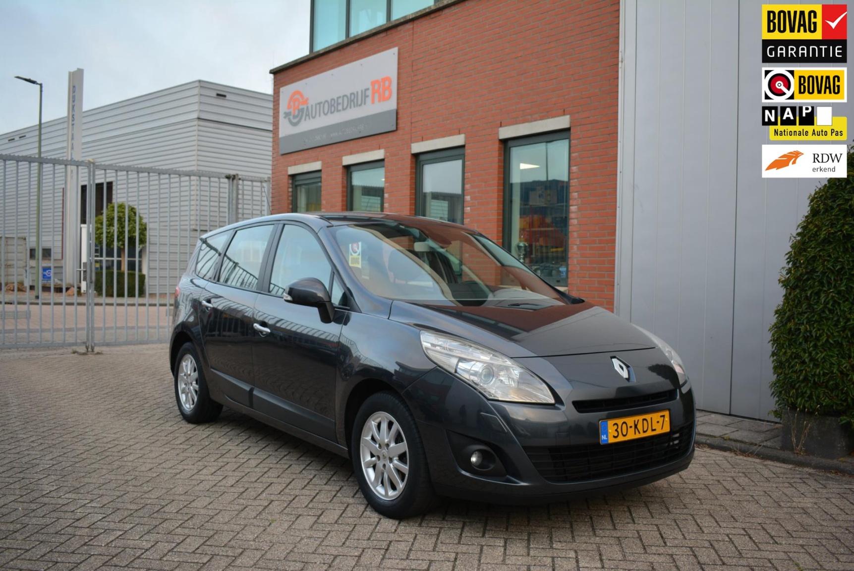Renault-Grand Scénic-0